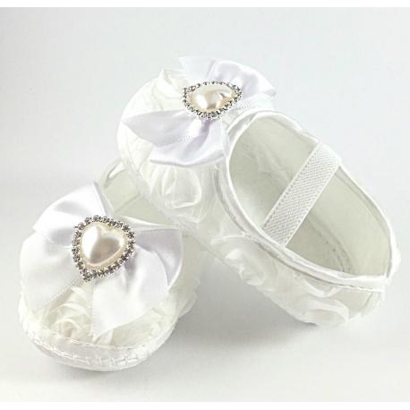 """Παπουτσακια """"White rosette and pearl"""""""