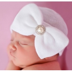 "σκουφακι ""Newborn'' White with rhinestone"