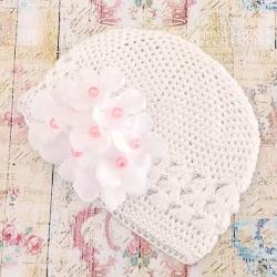 Πλεκτό σκουφάκι white with pearl flowers